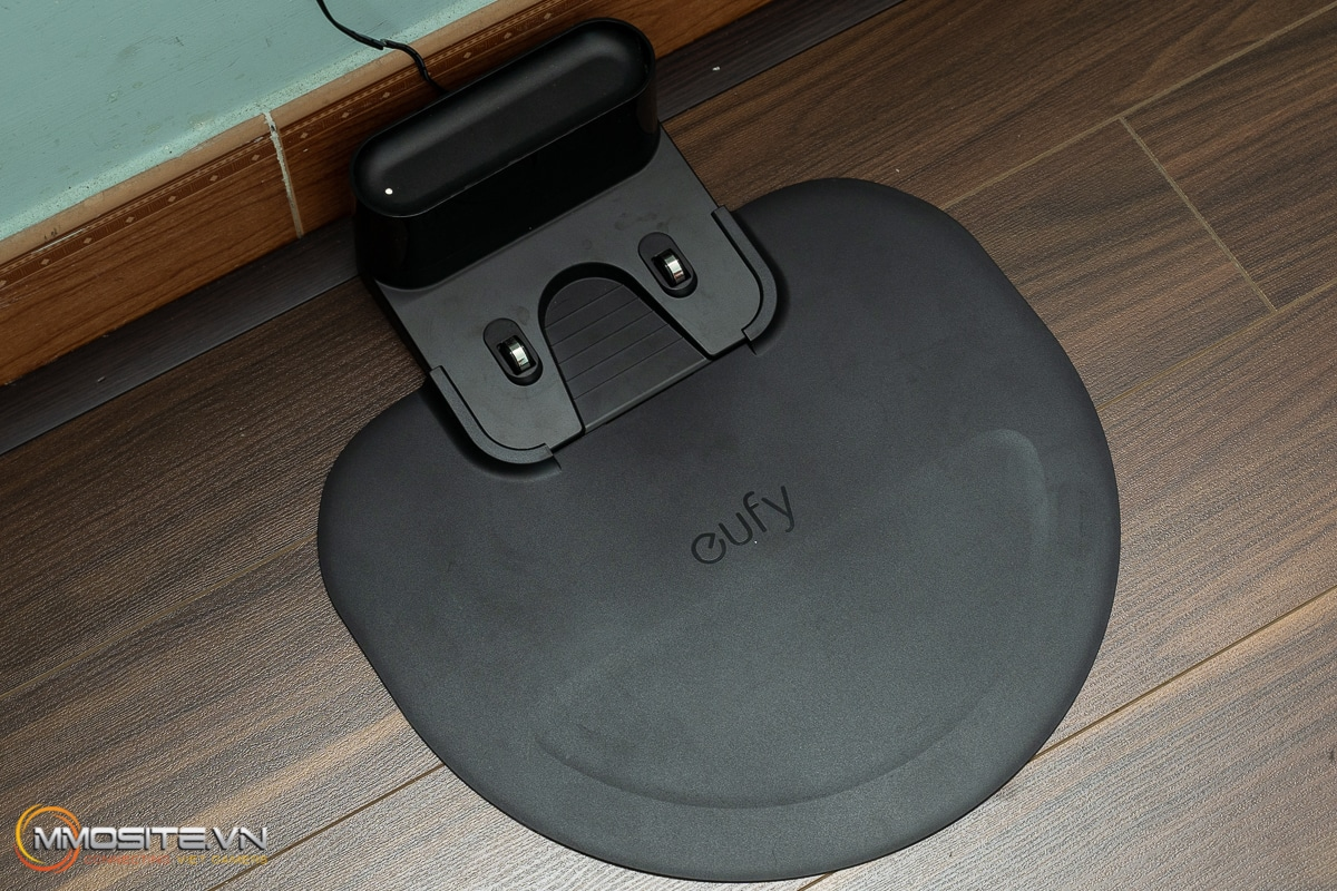 Trên tay Eufy Robovac G10 Hybrid - robot hút bụi giá hợp lý cho ngôi nhà thông minh của bạn