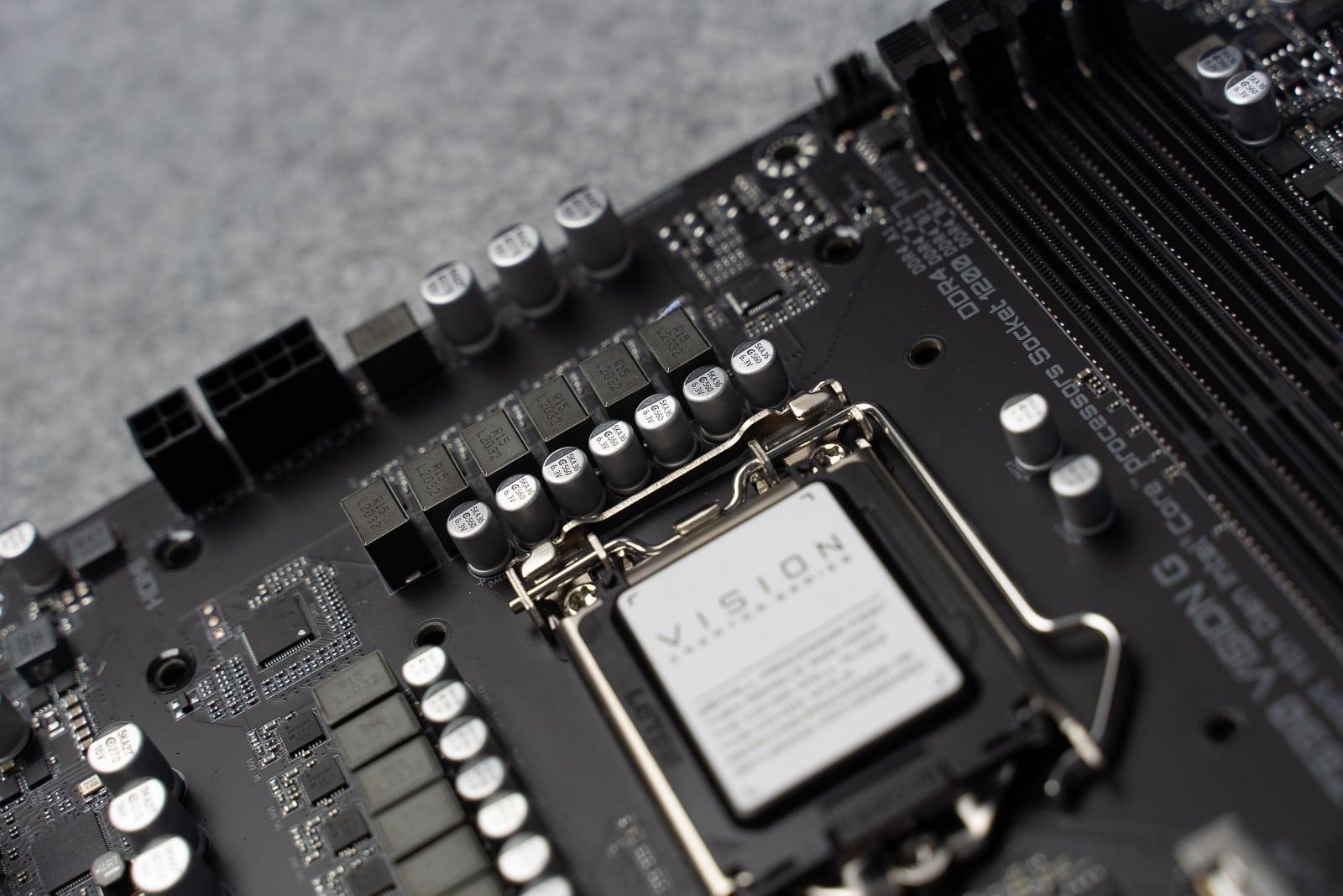 Nối tiếp với series bo mạch chủ VISION thì Z590 VISION G là một sản phẩm dành cho người dùng sáng tạo từ GIGABYTE được trang bị chipset Intel Z590.