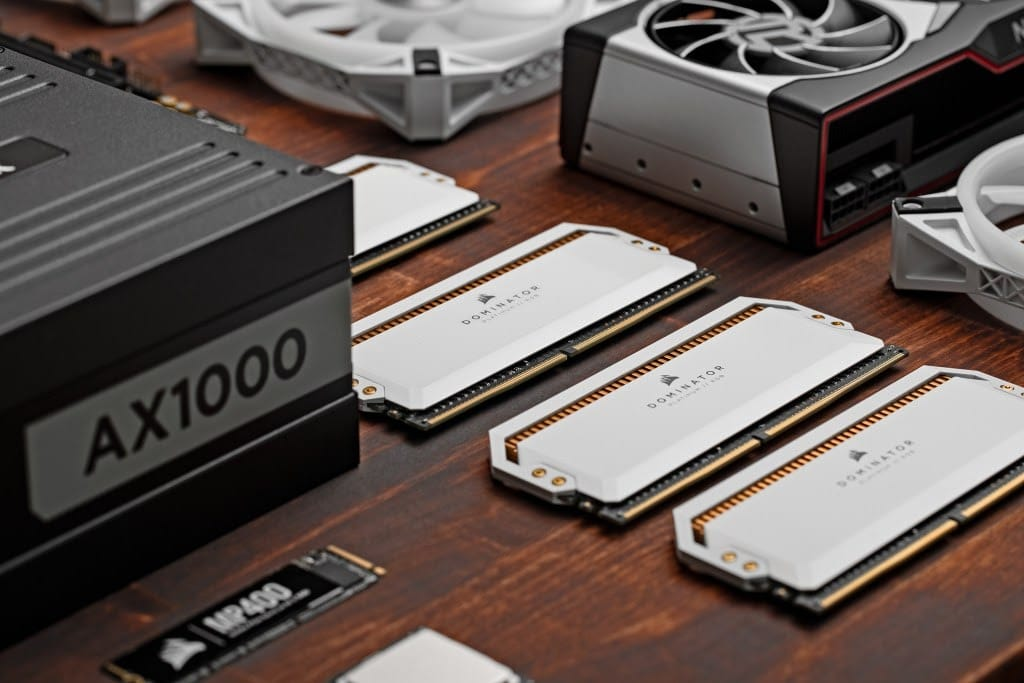 Corsair đã bật mí những thông tin về RAM DDR5 sắp ra mắt của họ, và chúng sẽ có tốc độ 6400MHz, dung lượng 128GB mỗi thanh.