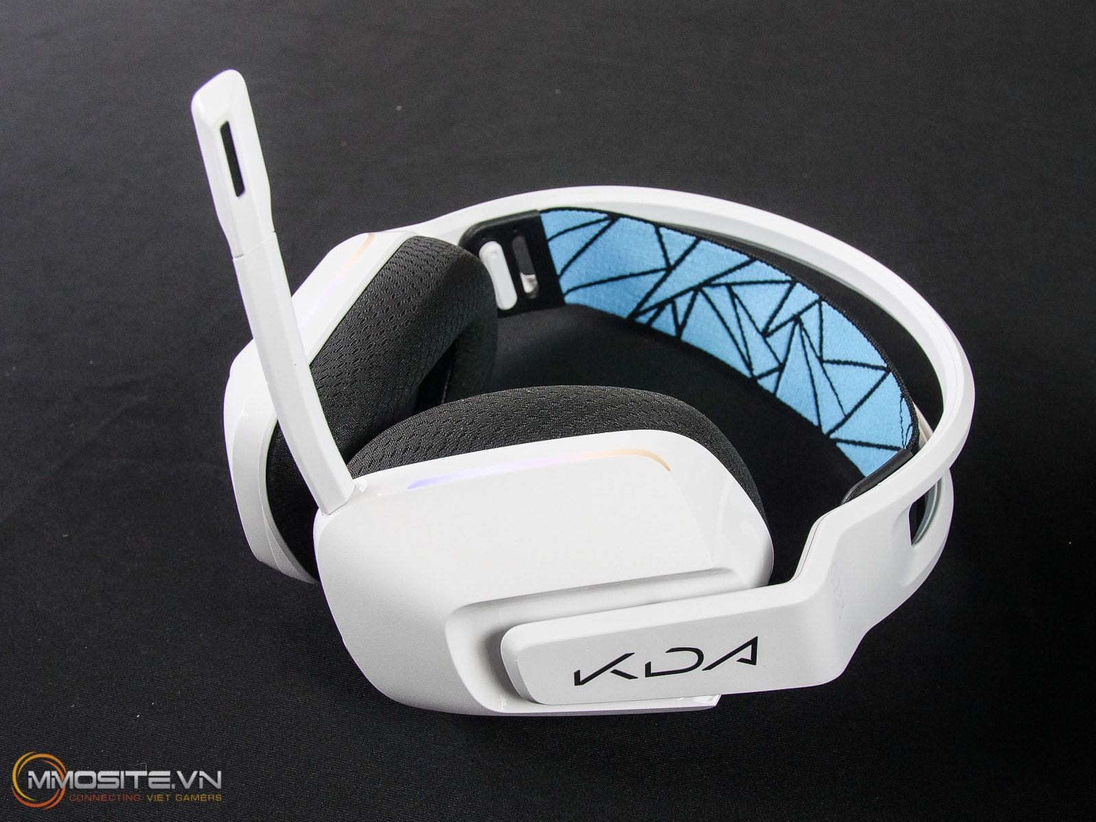 https://www.mmosite.vn/logitech-extreme-3d-pro-hang-thua-cho-game-thu-thich-lai-may-bay/
